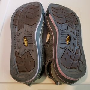 Keen Shoes - Keen closed toe hiking sandels canvas & rubber 8.5